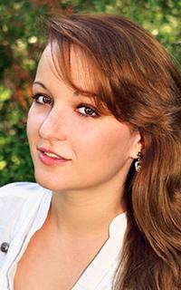 Репетитор английского языка и английского языка Лазовская Анна Нодарьевна